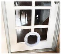 ガラス入り戸ペットドア
